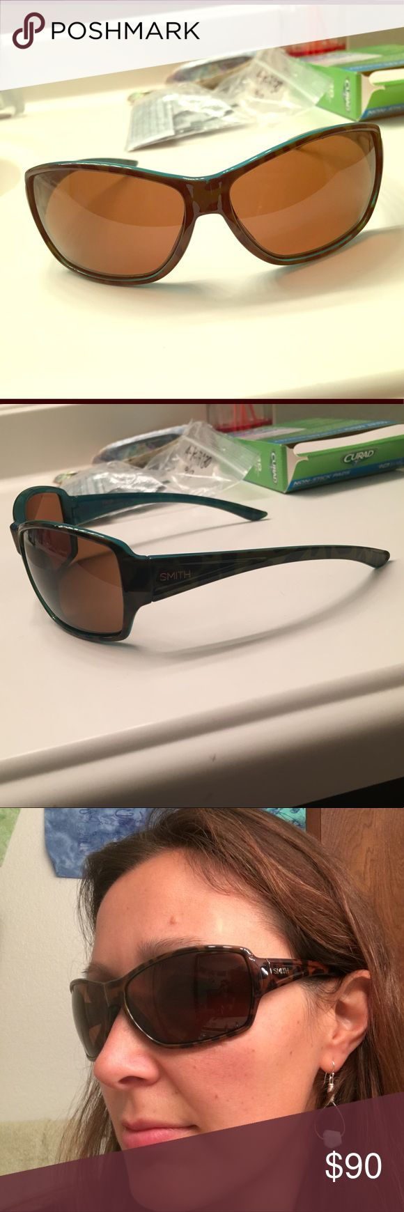 Smith Women's Pace sunglasses Smith Women's Pace Sunglasses. Polarized and Chromapop lenses. Color: torte and marine. A scratch on right lense, shown in 4th photo, not in direct vision field; otherwise in great condition. Smith Optics Accessories Sunglasses