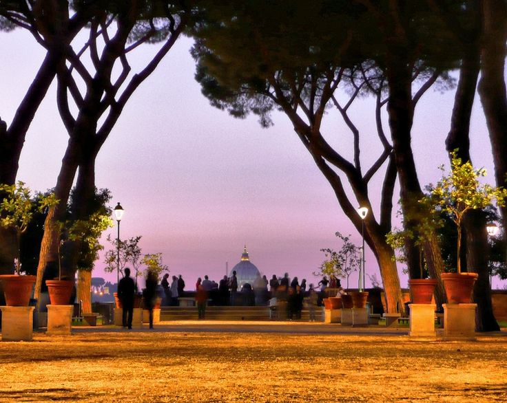 Rome is also a city offering the romance of panoramic views – in this case from the Giardino degli Aranci (Garden of the Orange Trees) on the Aventine hill, with its terrace. Don't miss the experience to watch the sunset over the city!