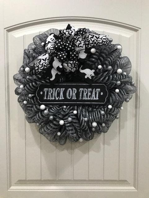 Trick or Treat Wreath Halloween Decor Bats Wreath Spooky Ghost Decor
