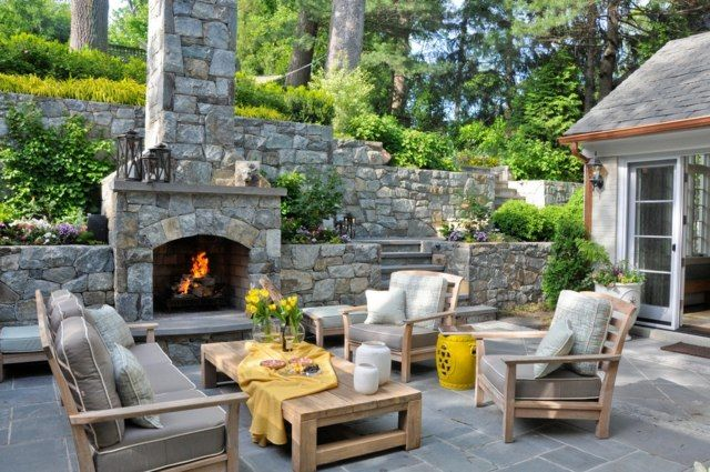 traditionelle Garten Gestaltung Sitzecke Kamin Stützmauer - gartenkamin selber bauen