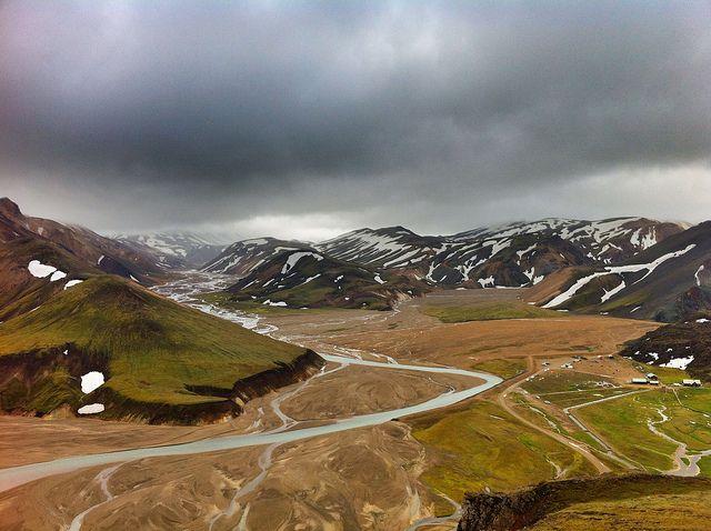 Paisajes de pintura en isalndia for Piscinas naturales islandia