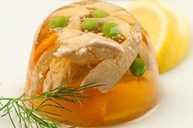 Aspikové misky s kuřecím masem