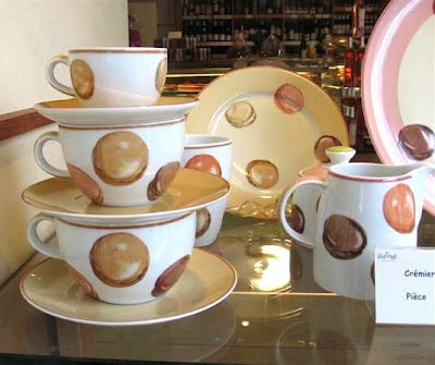 Love love love Lenotre's macaron cups