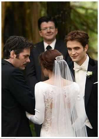 Breaking Dawn part 1 ~Charlie Gives Edward Bella away