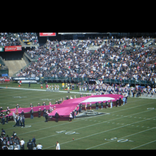 Patriots versus Raiders!  Oakland!  Remembering Myra Kraft and all she did for breast cancer research!