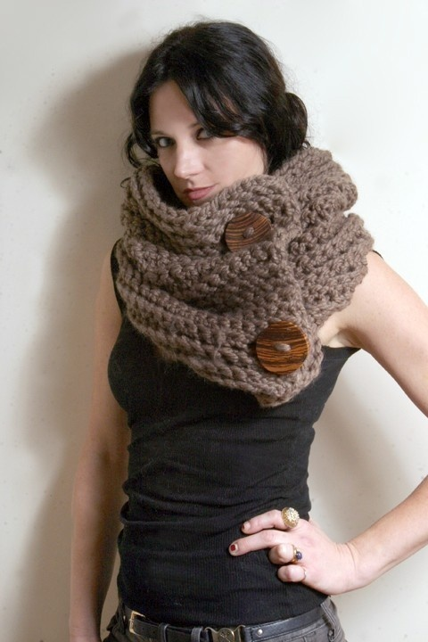 button snood - it looks so giant and warm. i love it