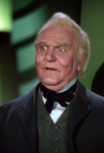 Frank Morgan  (1890–1949)  The Wizard Of Oz, Professor Marvel / The Wizard of Oz / The Gatekeeper / The Carriage Driver / The Guard