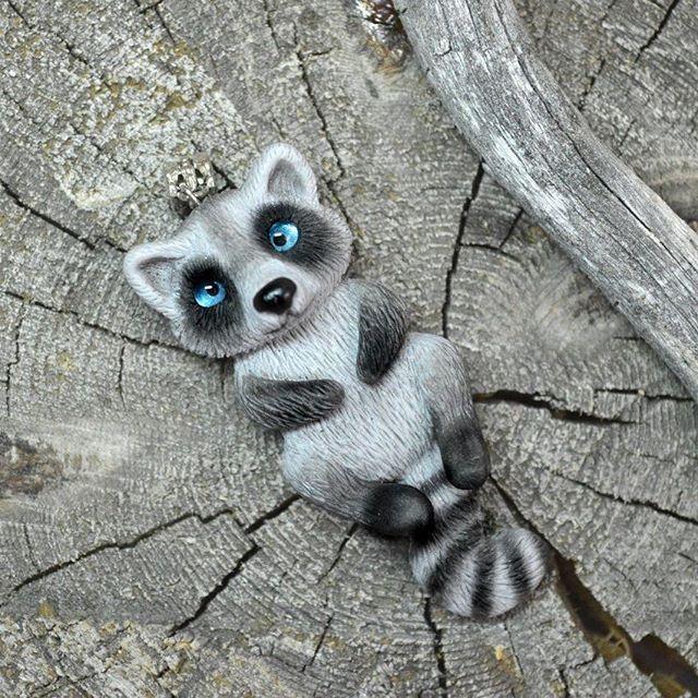 Енотов много не бывает))) #snorky #polymerclay #polymer_clay #raccoon #полимернаяглина #полимерная_глина #енот #енотик