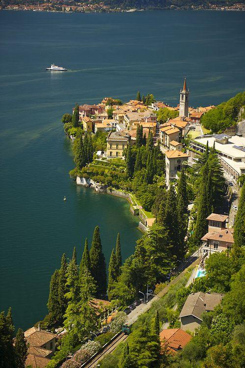 breathtakingdestinations: Varenna - Italy (von apshel) - Travel This World