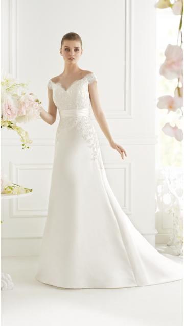 Robe de mariée en satin traîne courte col en V sans manches avec bretelles