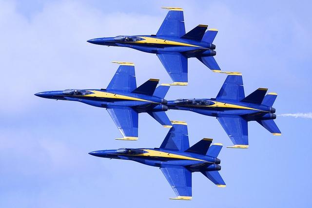 US Navy Blue Angels - Diamond formation #blueangels