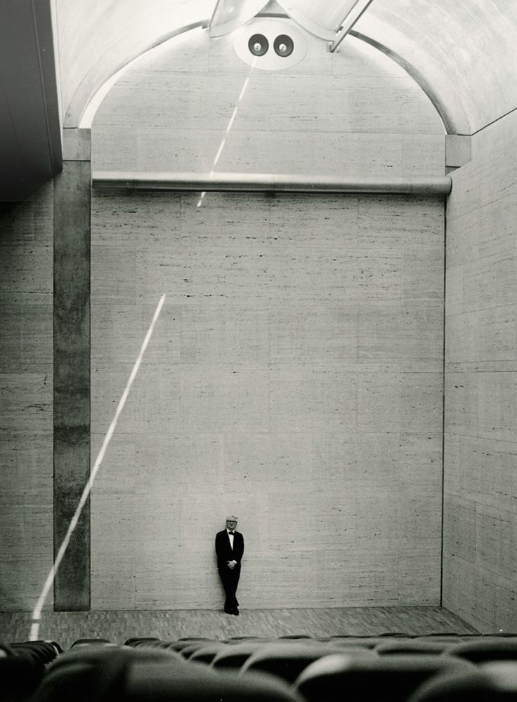 Louis Kahn at the Kimbell Art Museum in Fort Worth, Texas (1972), photo © Robert Wharton