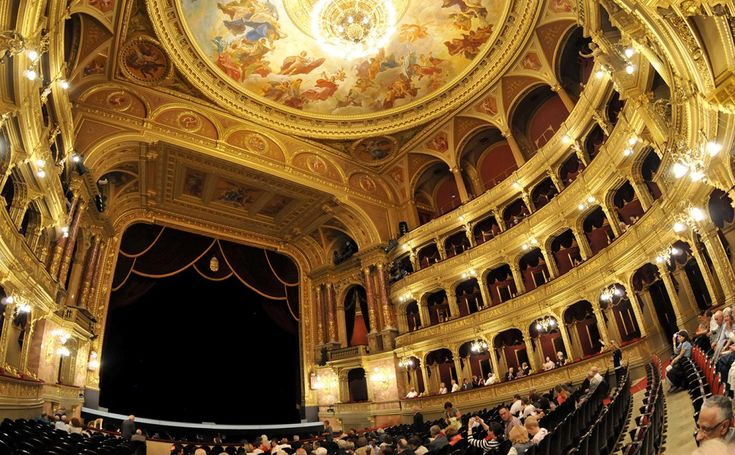 Great Concert Halls and Opera Houses in Europe