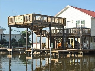 Luxury fishing hunting camp in cocodrie la vacation for Fishing camps for rent in louisiana