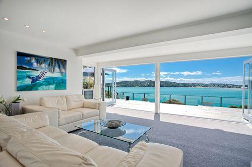 Modern beach home
