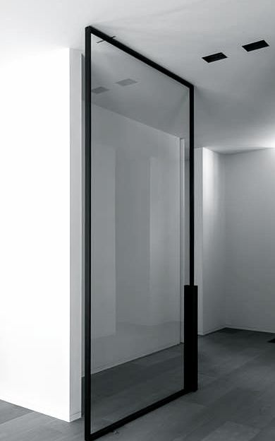 Pivoting door by Dennis T'Jampens, project VM in Schilde, Belgium.