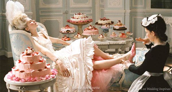 Fashion Carrousel: Let them eat cake