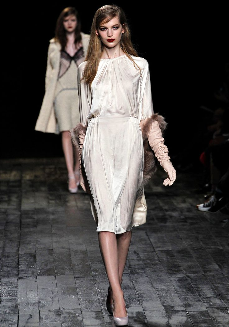 Nina Ricci Fall 2012 RTW: Paris Fashion, Nina Ricci, Curly Fall, Ninaricci, Fashion Week, Fall2012, Fall 2012, 2012 Rtw, 201213