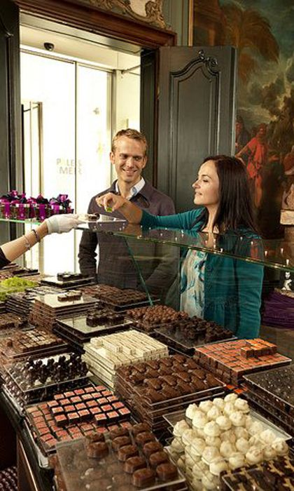 If you happen to find yourself in Antwerp this Chocolate Week, head to Chocolatier Burie for some beautiful diamond-shaped chocolates, or Del Rey, a delightful café, pastry and chocolate shop all in one.