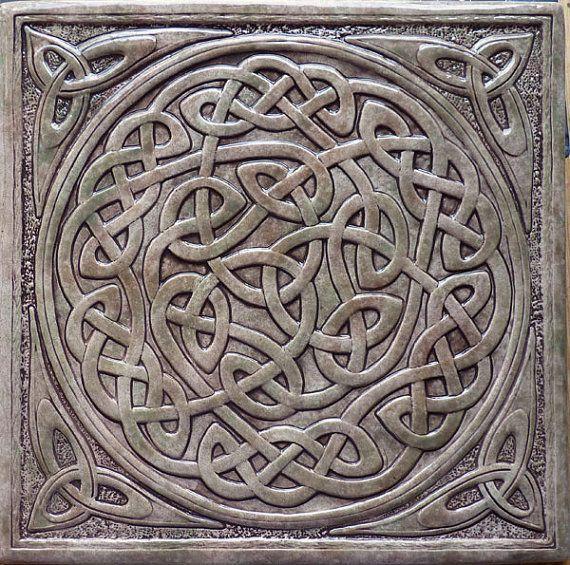 Celtic inspired tile - wahrheidin