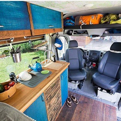 A lovely little Sprinter Van kitchen built by @aves_sin_rumbo. Check out their feed for a series of helpful posts about the components that went into their kitchen and how they stay organized. Regram via @sprintercampervans