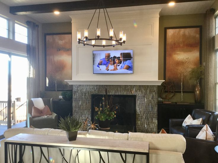 Click to take a tour of the Daybreak model home by Shea Homes at Backcountry in Highlands Ranch, Colorado.