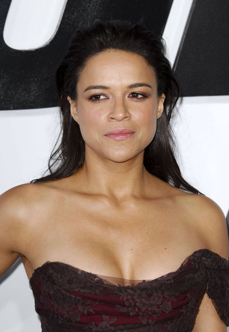 Michelle Rodriguez Nude Photos 13
