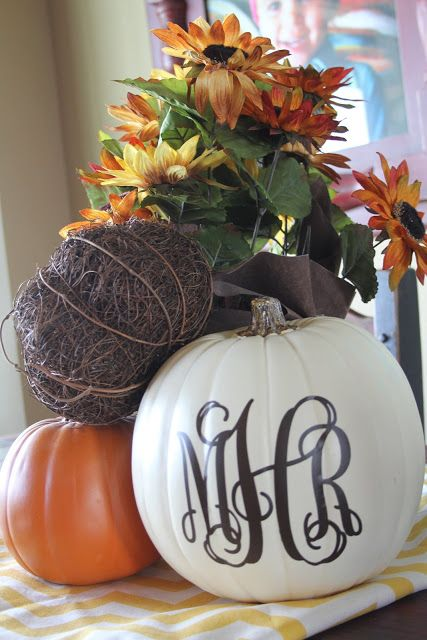 Happy Fall: DIY Vinyl Monogrammed Pumpkin Décor. could do with vinyl or small pumpkins with sticker letters.