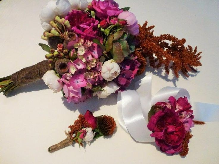 David Austin roses, flowering gum, gum nut, amaranths, echinacea and hydrangea bridal bouquet
