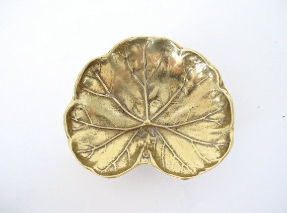 Virginia Metalcrafters Brass Geranium Leaf Dish, 1948: Rocks Scissors, Leaf Dishes, Brass Geraniums, Metalcraft Leaf, Virginia Metalcraft, Paper Rocks, Metalcraft Brass, Brass Bit, Geraniums Leaf