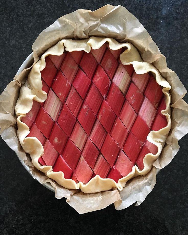 Red tile rhubarb pie