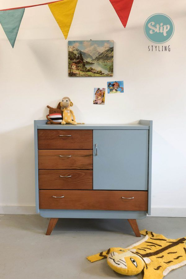 Vintage commode 051908