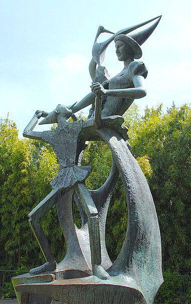 Памятник Пиноккио