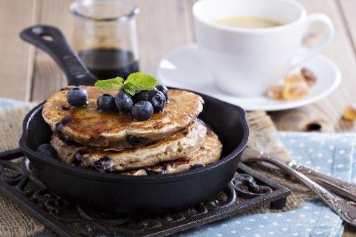 Banana pancakes Een hit op Australische ontbijttafels: pannenkoekjes met banaan