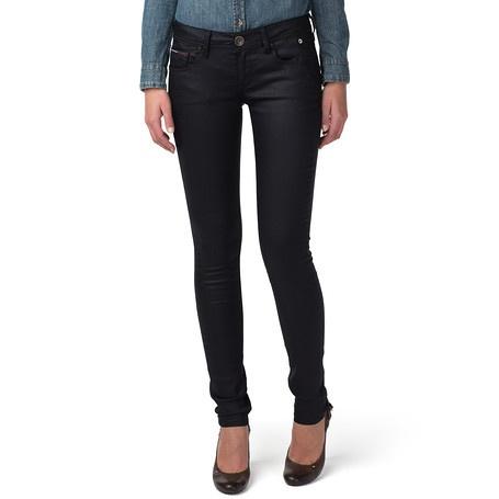 Je favoriete skinny denim. Natalie jeans in super slim fit met lage taille,  vervaardigd in zwarte gecoate denim. Licht in gewicht met een vleugje  stretch ...