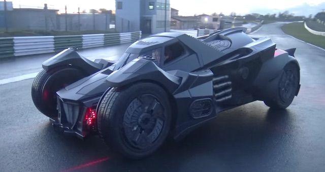 バットマンが乗る「バットモービル」 ランボルギーニを改造して製作 - ライブドアニュース