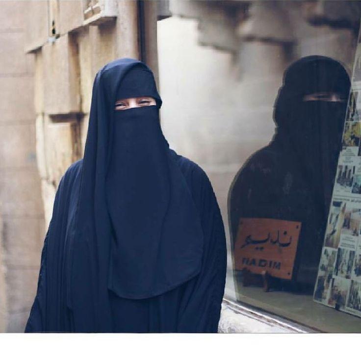 """1,140 Likes, 2 Comments - Реклама в Direct (@niqab_asma) on Instagram: """"Друг мой, вы забываете, что мы живем в стране лицемеров. Оскар Уайльд """"Портрет Дориана Грея"""".…"""""""