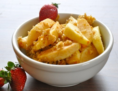 Skinny Breakfast Apple Cobbler- in the crockpot! Yep, making it STAT.Homemade Granola, Crock Pots, Healthy Fat, Cobbler Recipe, Slow Cooker Breakfast, Apples Breakfast, Pears Cobbler, Apples Cobbler, Breakfast Apples