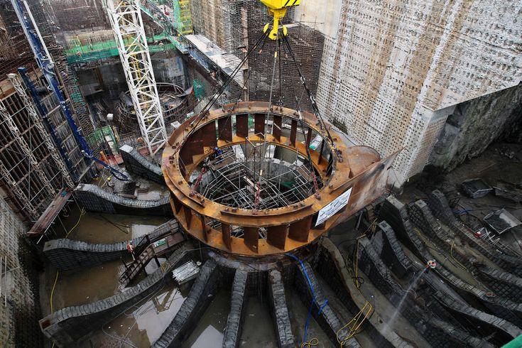 """A instalação de um grande projeto de mineração de ouro  nas margens do Rio Xingu, a apenas 14 km de distância da barragem da UH Belo Monte, PA, tem mobilizado o MPF e instituições sociais, que questionam sua viabilidade. Na última segunda-feira, representantes do MPF, Ibama, DPU, SeMa PA e da Norte Energia,  se reuniram em Belém para discutir o projeto da canadense Belo Sun, """"maior programa de exploração de ouro do Brasil""""."""