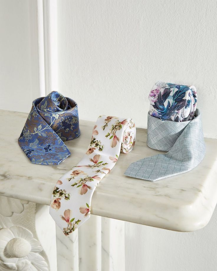 TIE THE KNOT in one of Ted's trademark printed ties