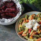 Grillade grönsaker med getostsås & örtig pastasallad
