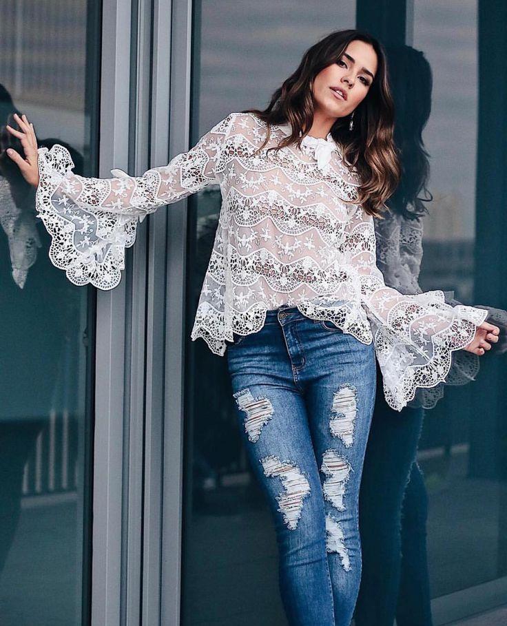 Blusa que acabamos de postar, maraaaaaa❤️ R$209,00 Tam P(38) M(40) ▶️Compre online WWW.SIBELLEMODAS.CO… | Tops em renda, Estilo de moda casual, Estilo de rua outono