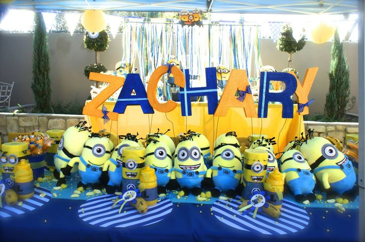 Minions Party! table centerpiece