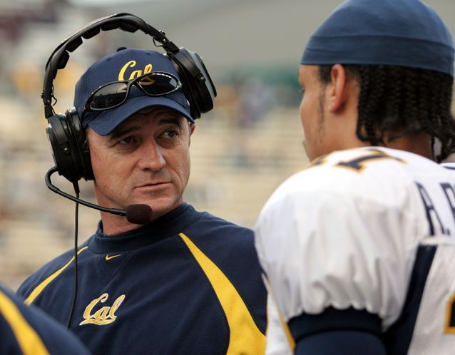Jeff Tedford forged a career wringing the most out of his quarterbacks. Six of the passers he has coached in college have gone on to be first-round draft picks -- Bucs quarterback Trent Dilfer and David Carr at Fresno State, Akili Smith and Joey Harrington at Oregon and Aaron Rodgers and Kyle Boller at Cal.  That might bode well for Bucs quarterback Mike Glennon, because Tedford has reached an agreement to become the team's offensive coordinator under head coach Lovie Smith.