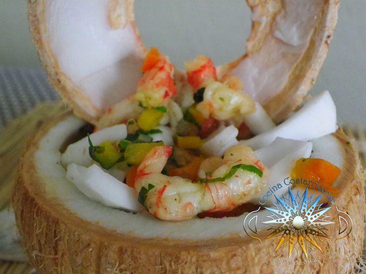 La pipa es el coco tierno, fruto de una variedad de palmera. Disfrutamos en Costa Rica sobre todo su dulce líquido, pero también de su s...