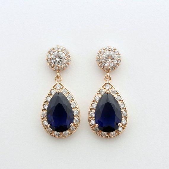 Um passende Halskette zu sehen, klicken Sie bitte auf https://www.etsy.com/listing/232292835/sapphire-blue-rose-gold-bridal-earrings