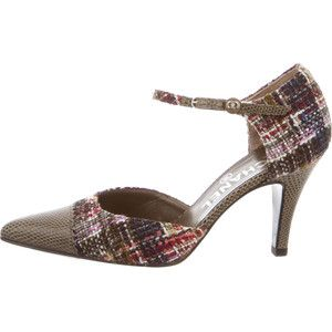 Pre-owned Chanel Tweed Cap-Toe Pumps