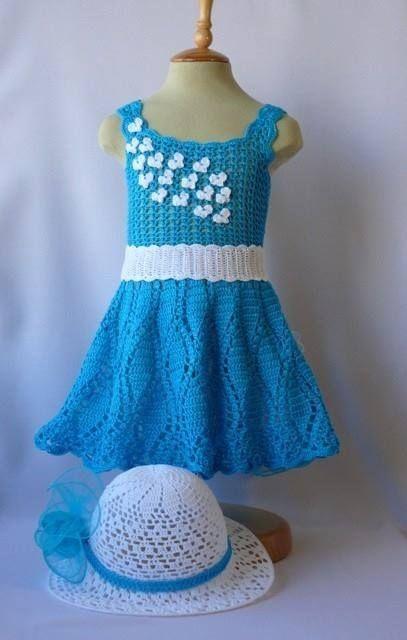 Mavi örgü elbise