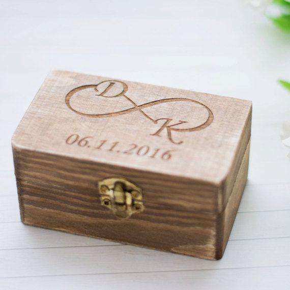 Wedding Ring Box rustikale Ehering Halter personalisierte Träger Trauung Ring Box Infinity Zeichen