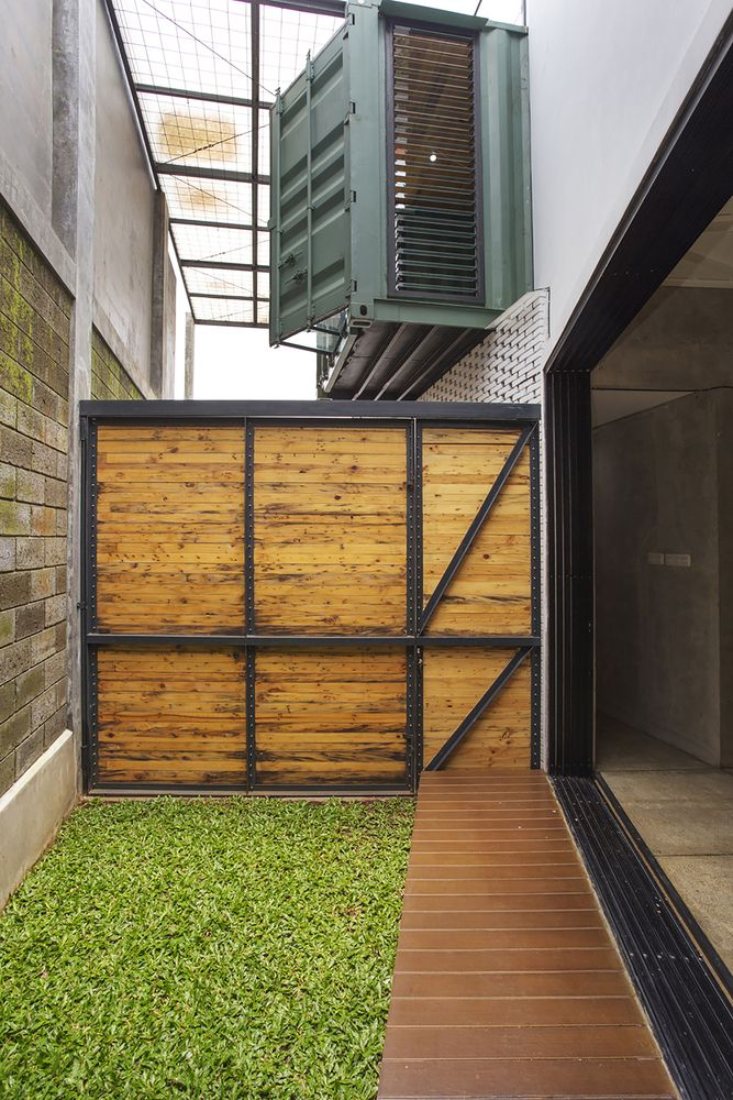 Gallery - Container for Urban Living / Atelier Riri - 19
